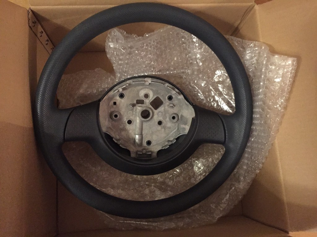 Smart Roadster standard steering wheel without airbag and Steering Angle Sensor