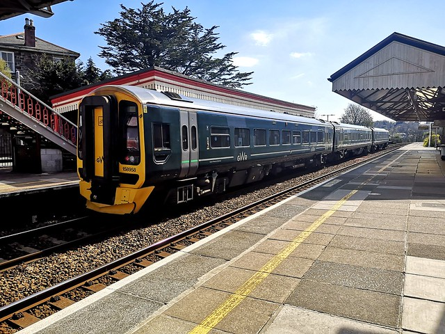 GWR class 158958 at Redruth Railway Station