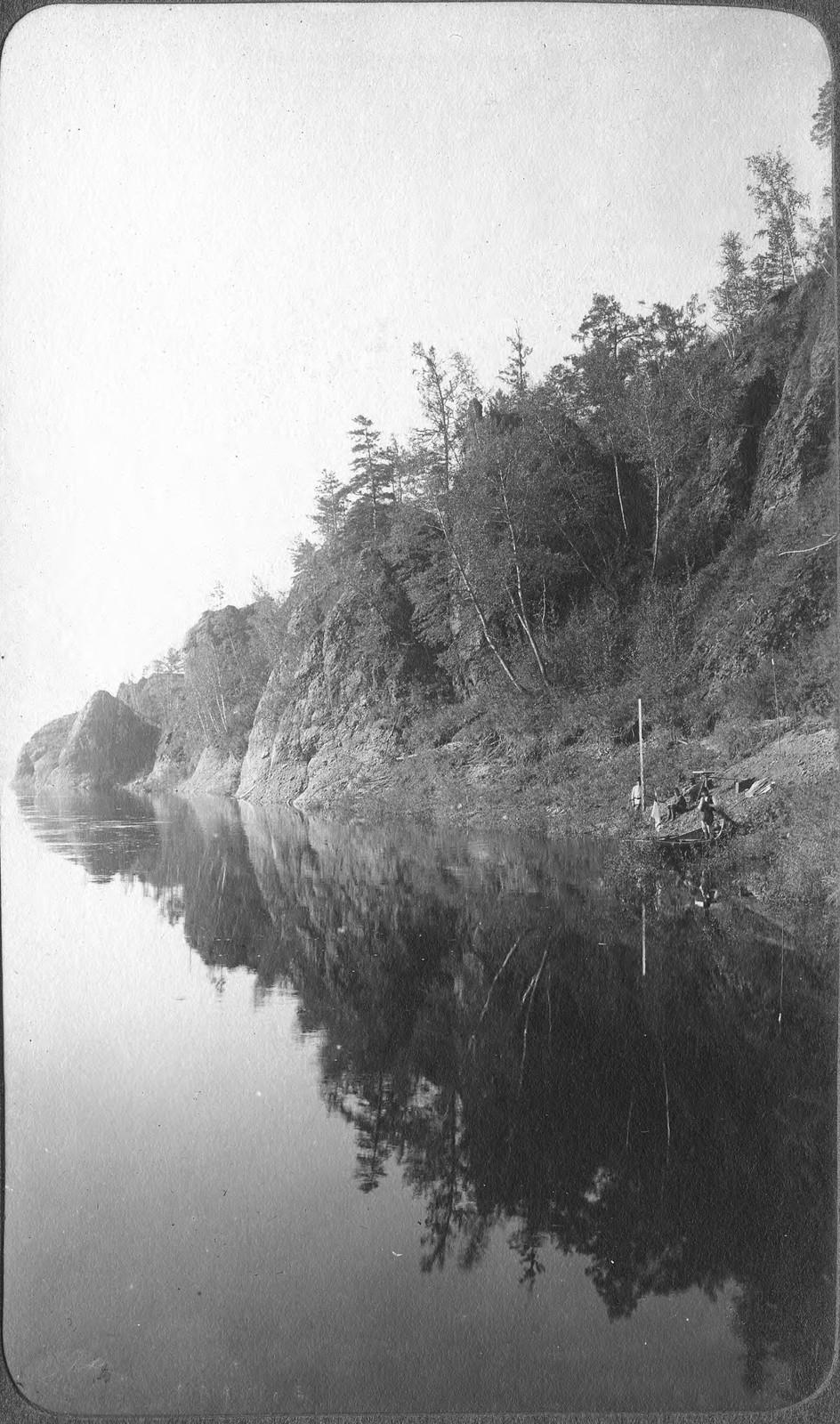 Вид участка правого берега реки Зеи