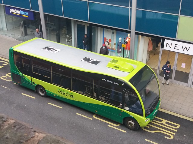 3813 - HW62 CMV - an Optare Solo SR sent most of Saturday 10th April on Newport town service route 38. This is the only green solo in the Southern Vectis fleet