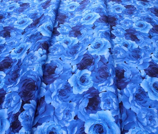 Timeless Treasures Bluebird C8449-NAVY Packed Flowers Navy
