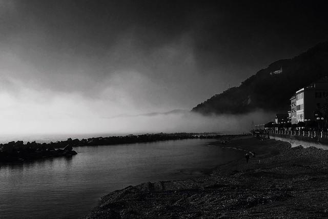 Caligo, the mist from the sea