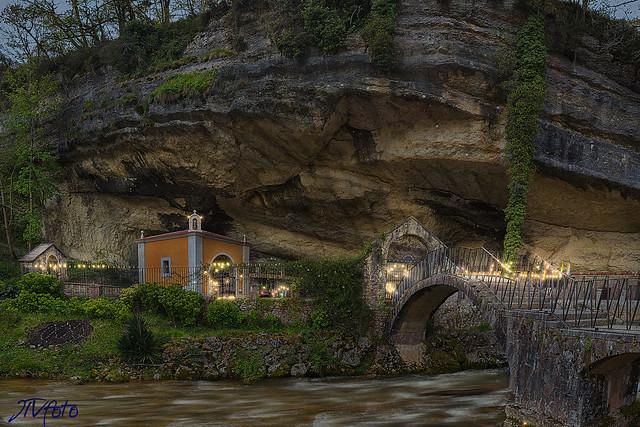 Ermita de la Virgen de la Cueva (Infiesto)