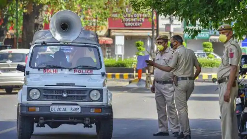 दिल्ली में वीकेंड कर्फ्यू