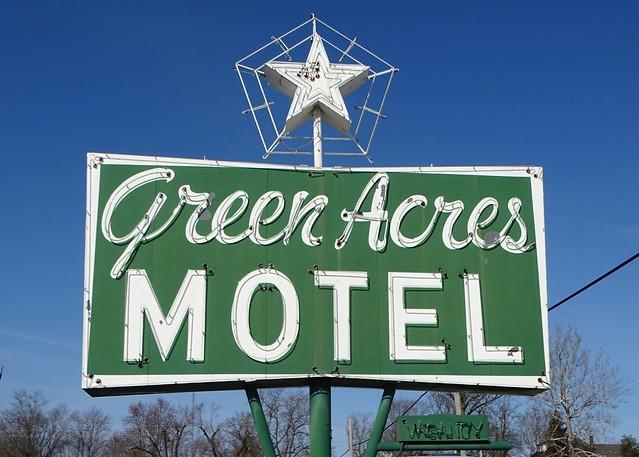 IL, Pittsfield-U.S. 54 Green Acres Motel Neon Sign