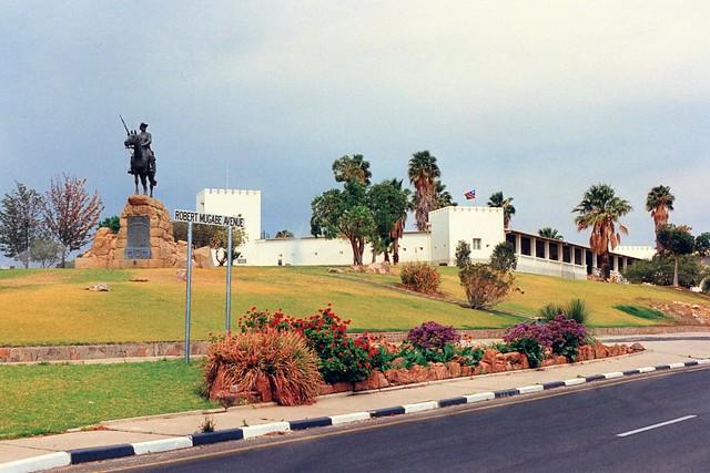 Windhoek: Reiterdenkmal und Alte Feste