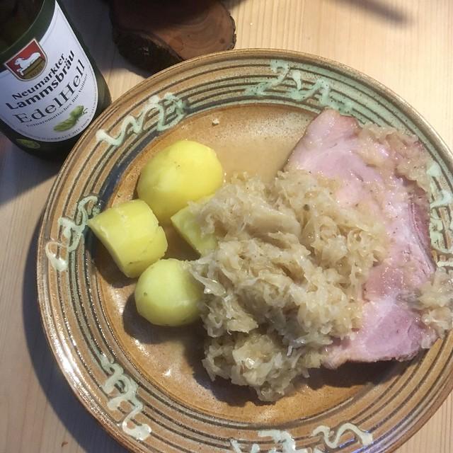 Kartoffeln, Kraut, Kassler