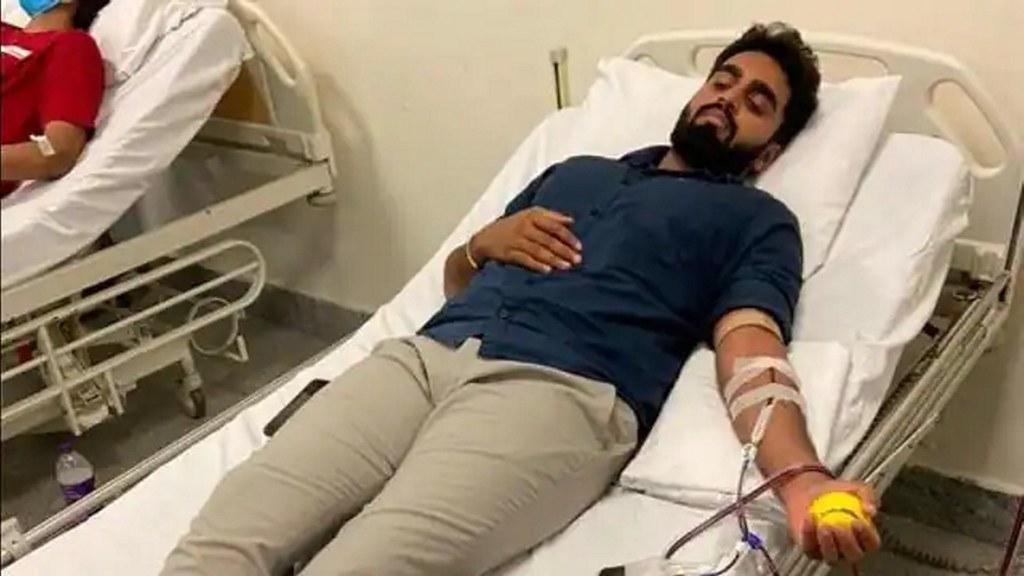 अनजान मरीज को प्लाज्मा देने के लिए बेंगलुरु से दिल्ली आए राहुल राज