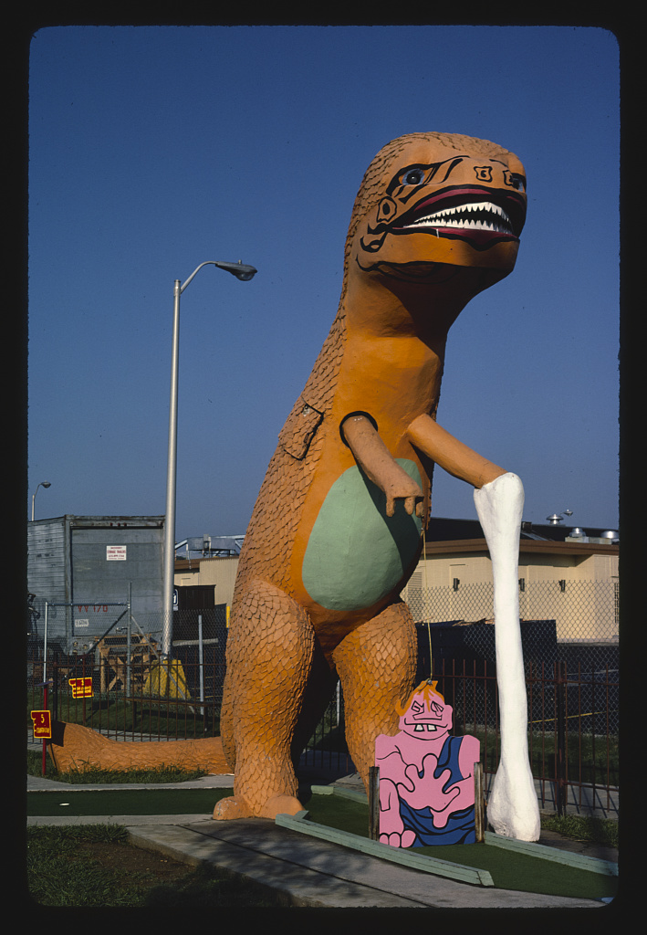 Orange dinosaur, Sir Goony Golf, Chattanooga, Tennessee (LOC)