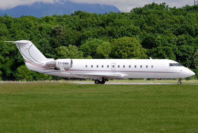 T7-OAM Bombardier Challenger 850 (CRJ-200SE/CL-600-2B19)