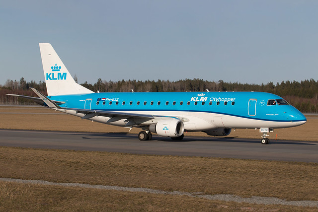 KLM Cityhopper Embraer ERJ-175STD PH-EXZ 210416 ARN