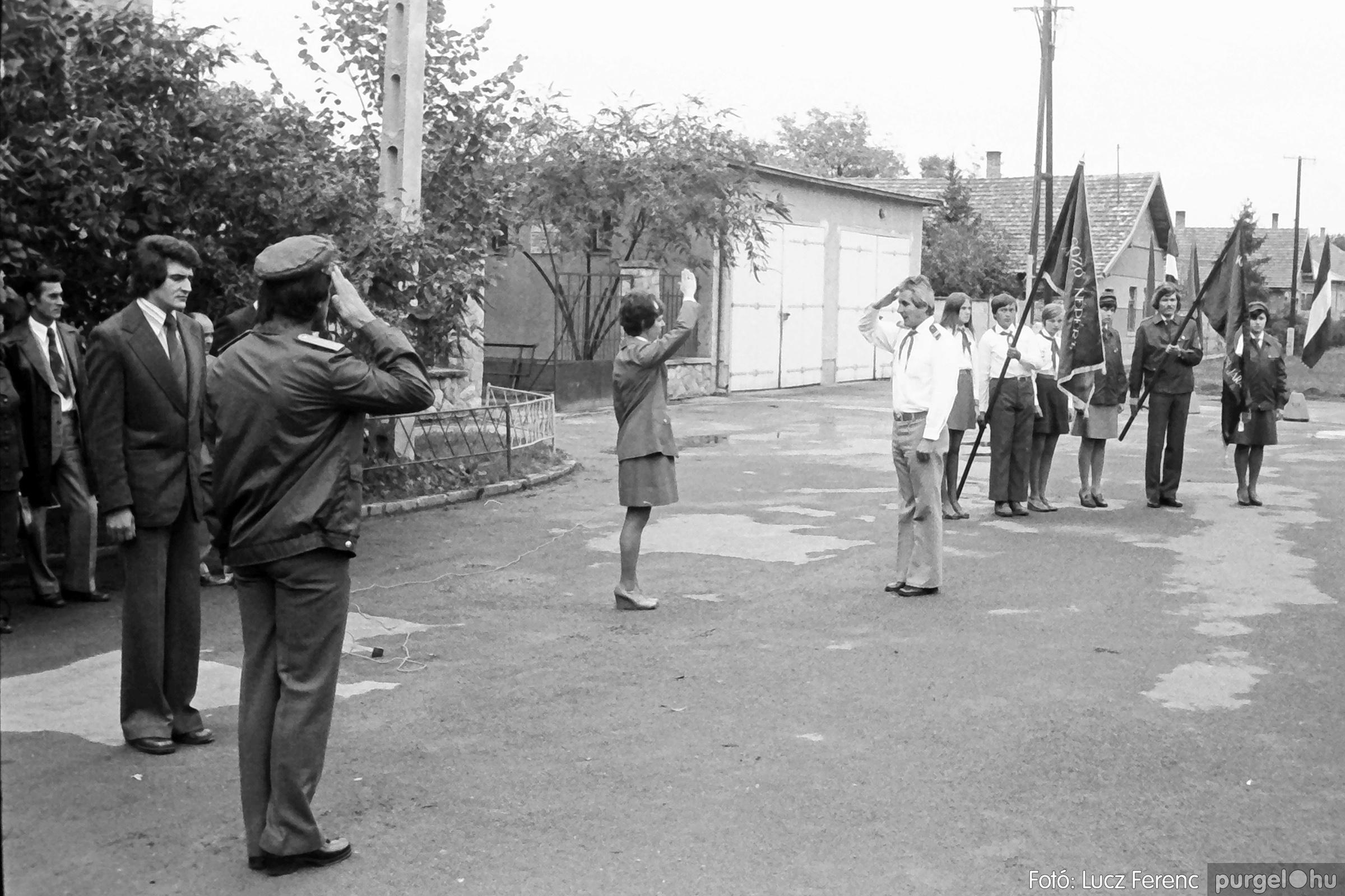 090. 1977. Úttörő gárda - ifjú gárda seregszemle 016. - Fotó: Lucz Ferenc.jpg
