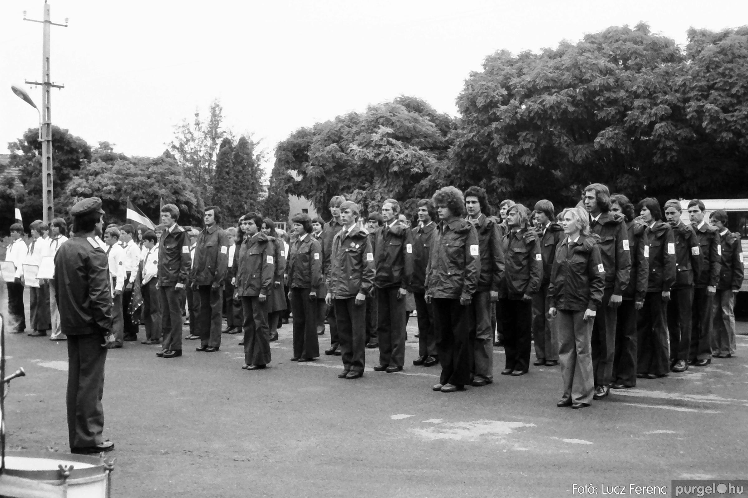 090. 1977. Úttörő gárda - ifjú gárda seregszemle 009. - Fotó: Lucz Ferenc.jpg