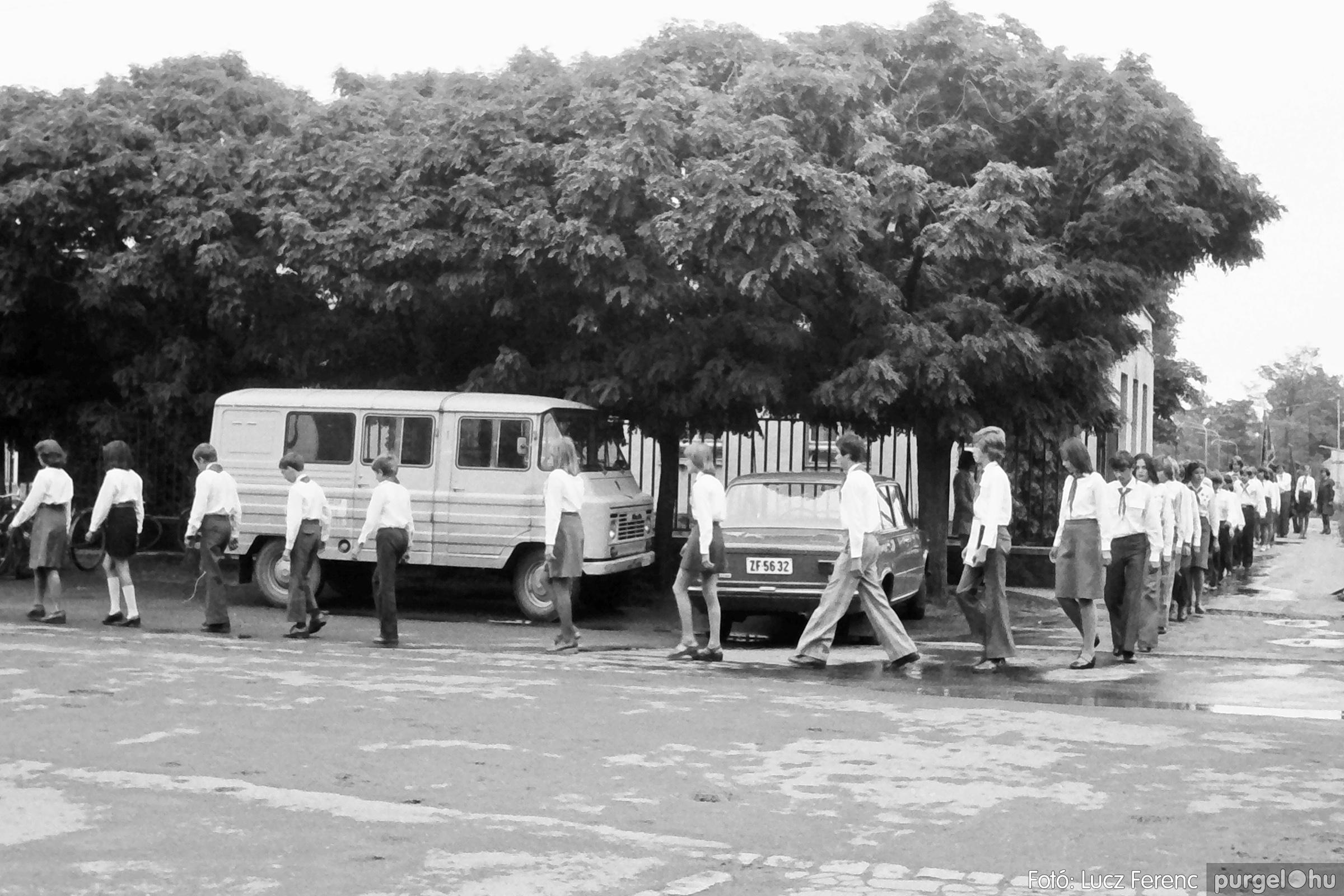 090. 1977. Úttörő gárda - ifjú gárda seregszemle 004. - Fotó: Lucz Ferenc.jpg