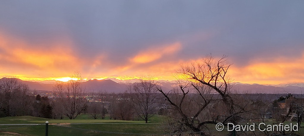 A gorgeous sunset over the Rocky Mountains on April 6, 2021. (David Canfield)