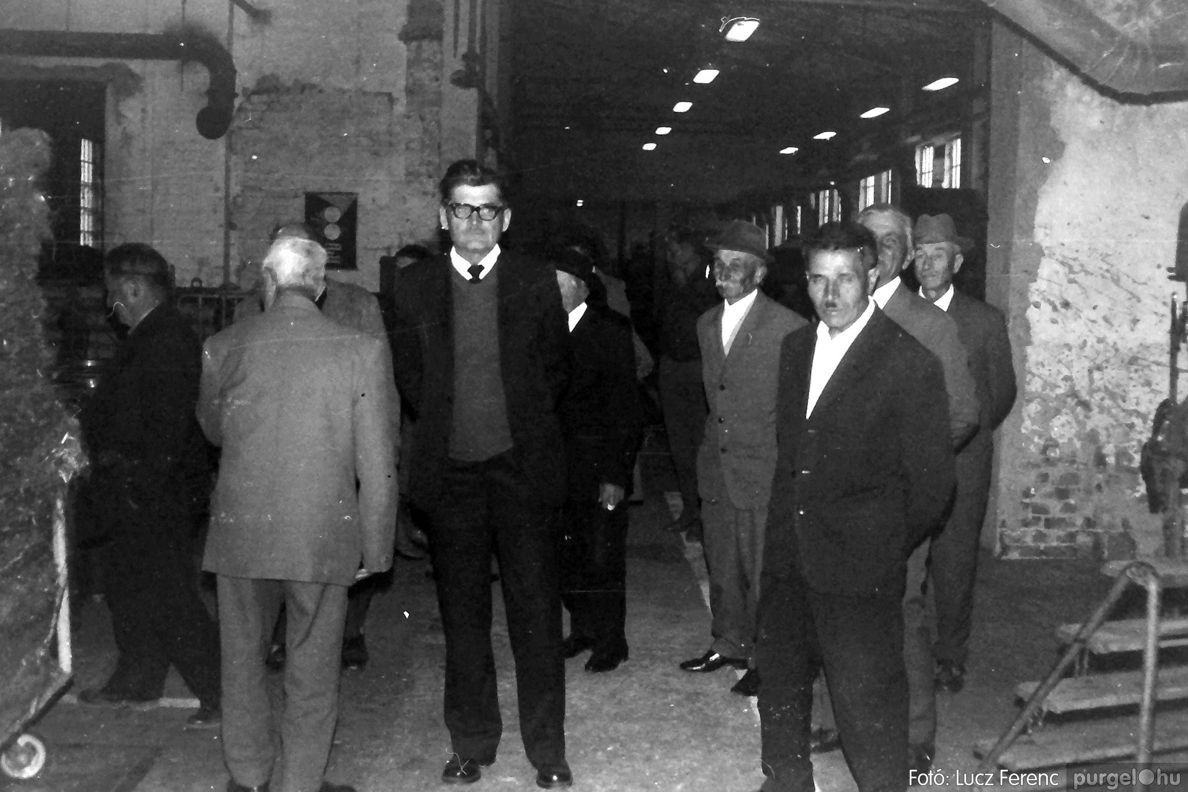 088A. 1977. Nyugdíjas találkozó a Kendergyárban 011. - Fotó: Lucz Ferenc.jpg
