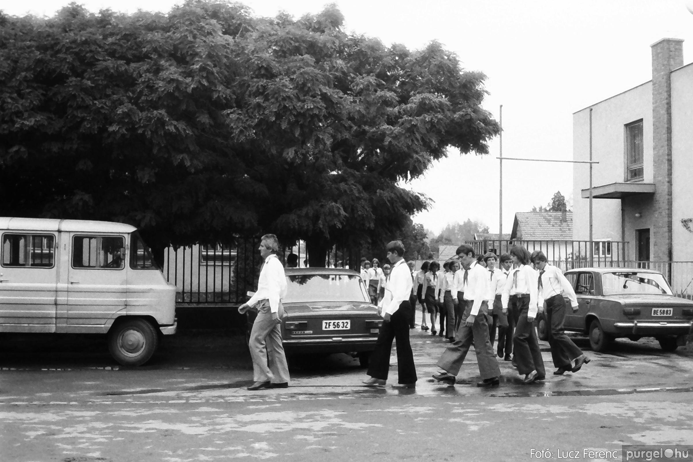 090. 1977. Úttörő gárda - ifjú gárda seregszemle 003. - Fotó: Lucz Ferenc.jpg