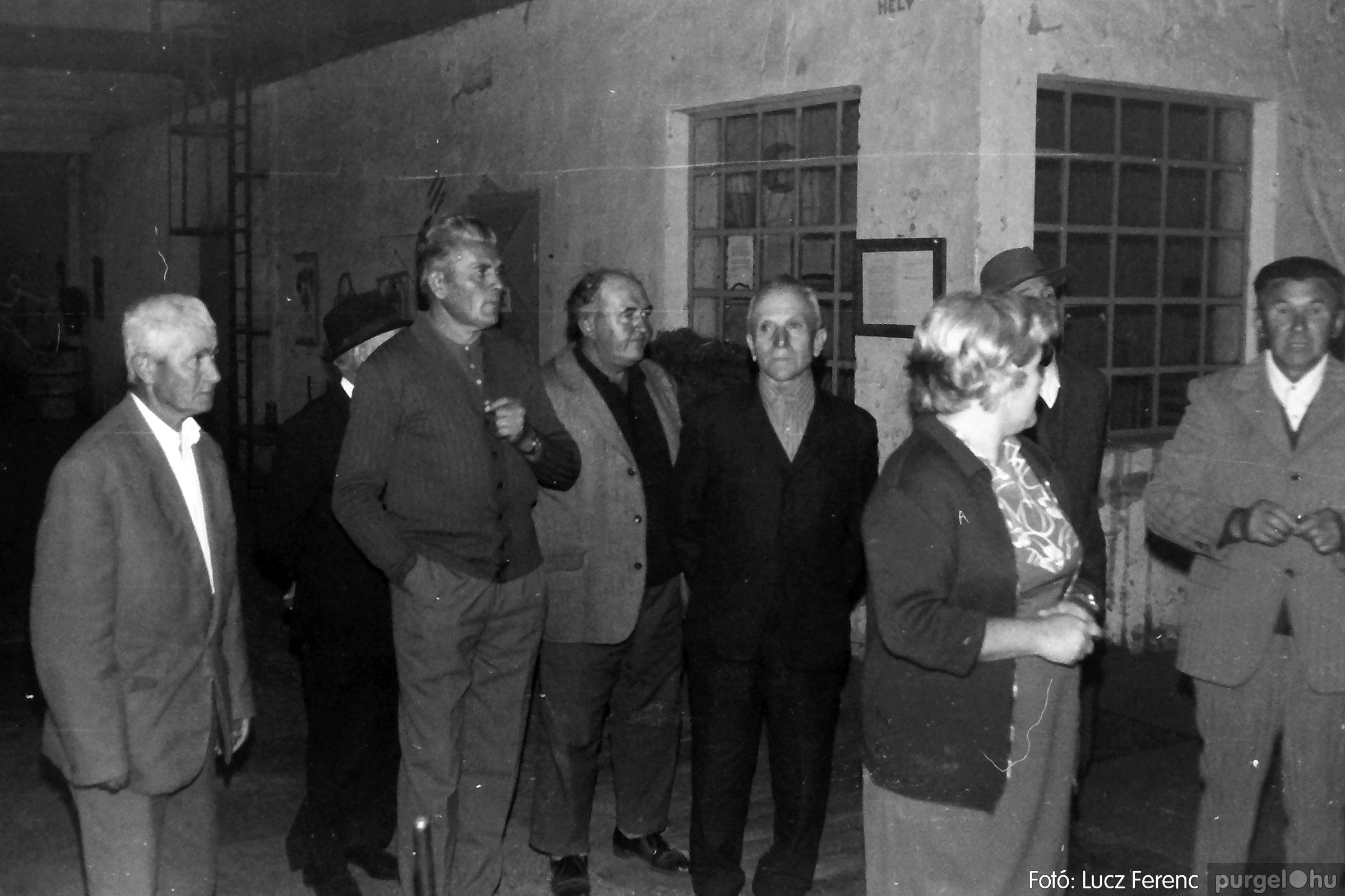 088A. 1977. Nyugdíjas találkozó a Kendergyárban 012. - Fotó: Lucz Ferenc.jpg