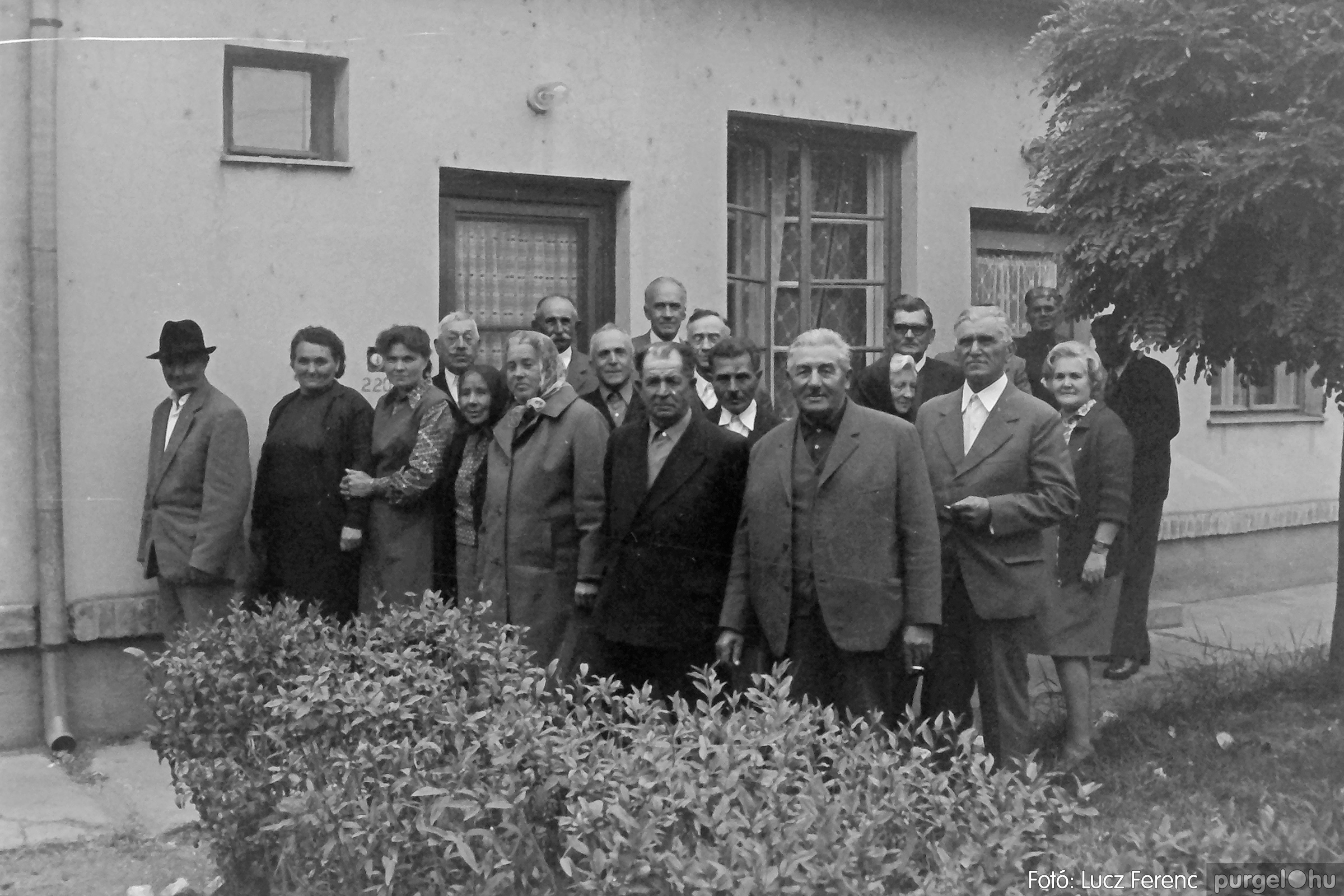 088A. 1977. Nyugdíjas találkozó a Kendergyárban 003. - Fotó: Lucz Ferenc.jpg