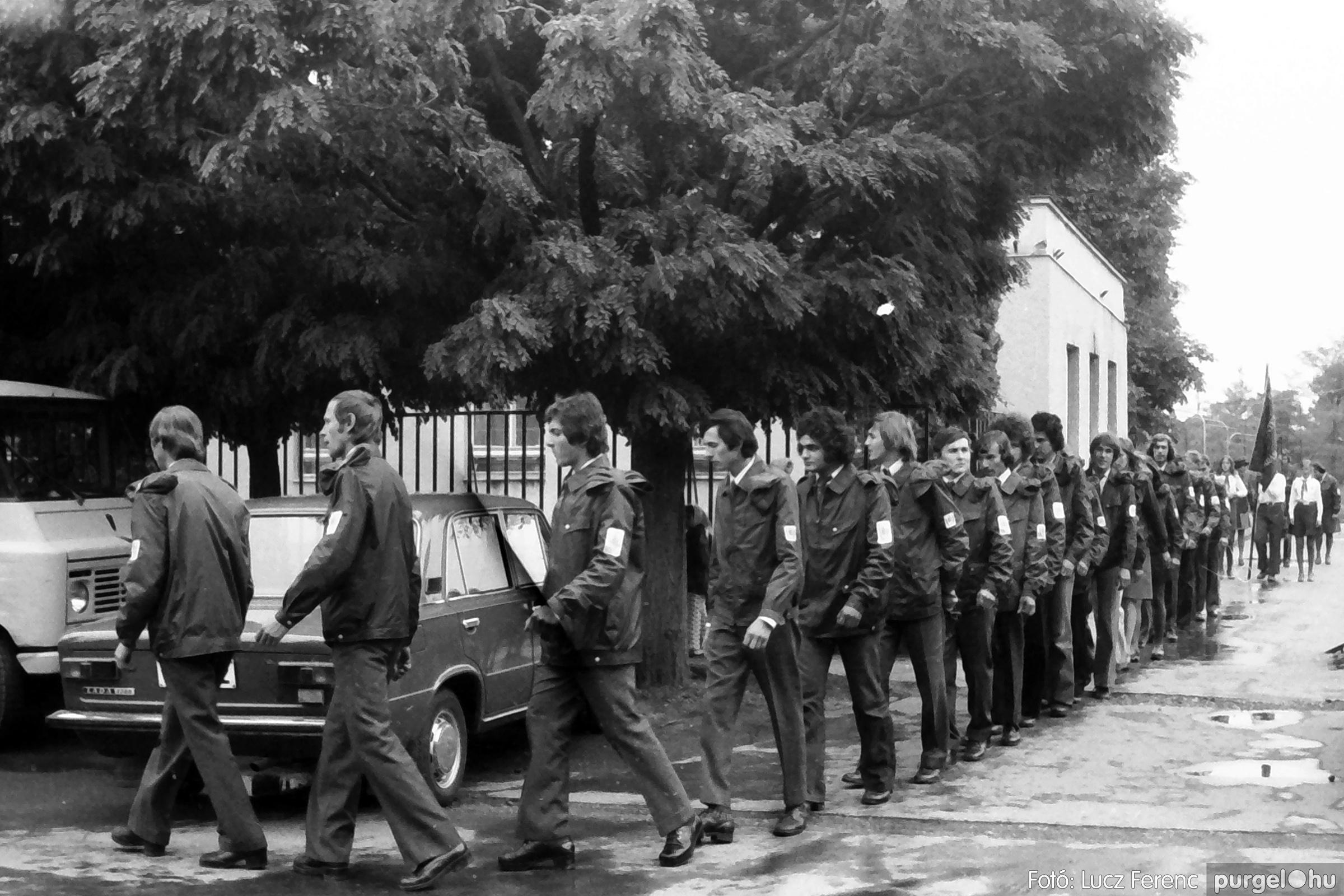 090. 1977. Úttörő gárda - ifjú gárda seregszemle 008. - Fotó: Lucz Ferenc.jpg