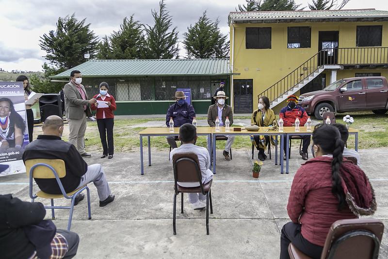 Visita y Recorrido Escuela de Educación Básica Javier Espinoza