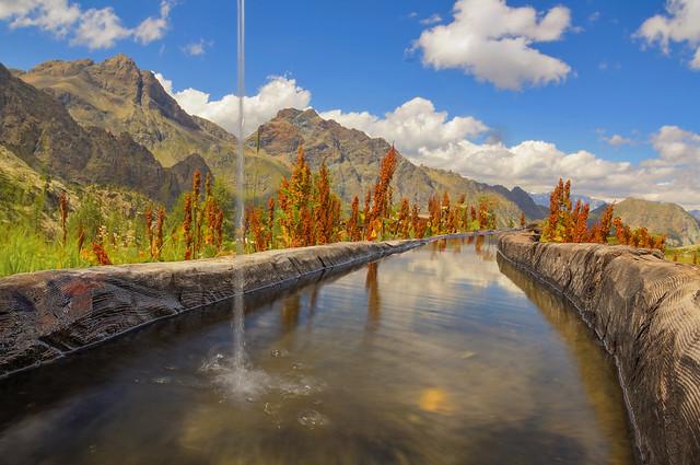 Acqua delle Alpi / Alpine water (Champdepraz, Valle D'Aosta, Italy)