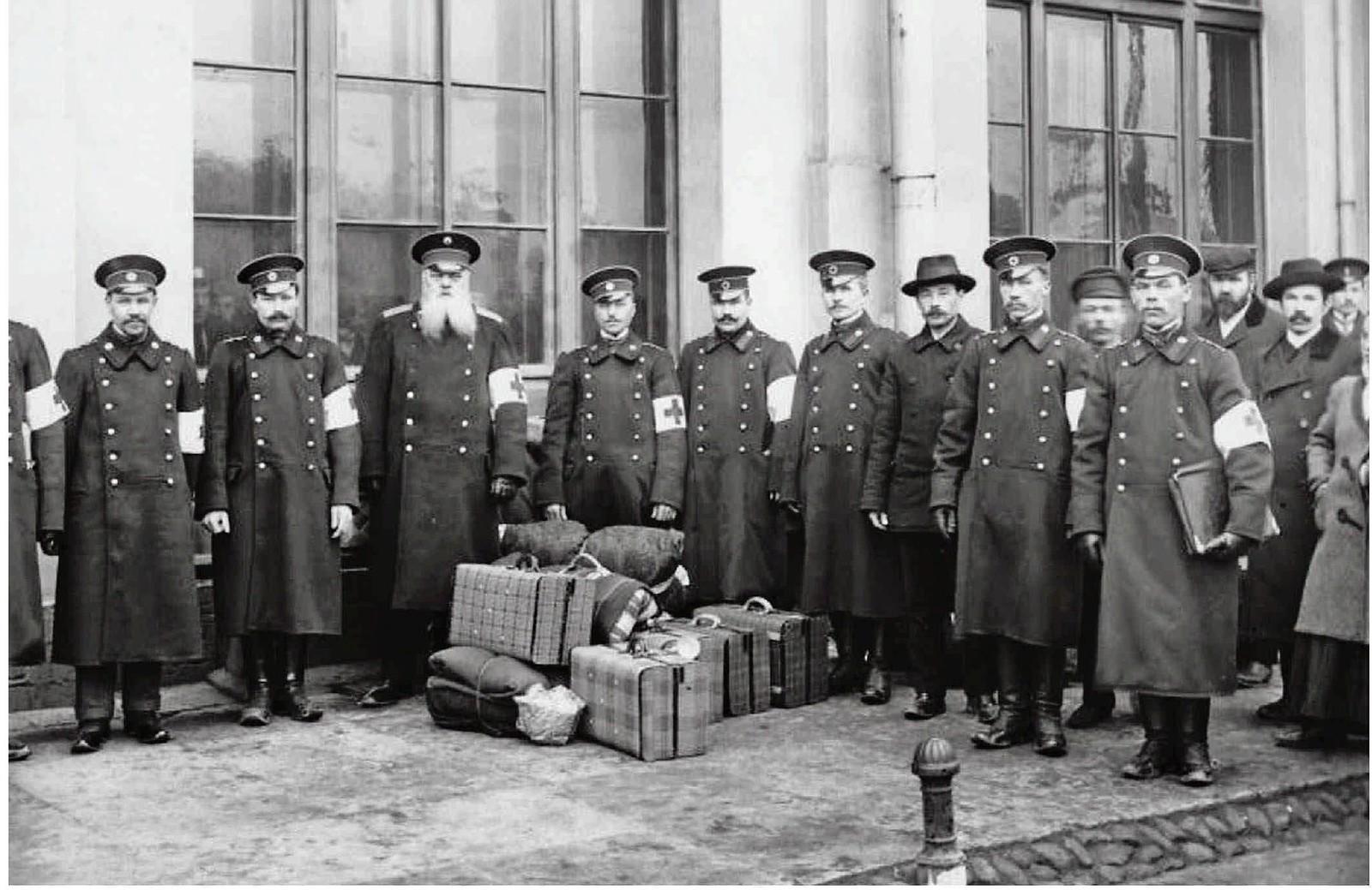 1912. Военные медики перед отправкой на Балканскую войну