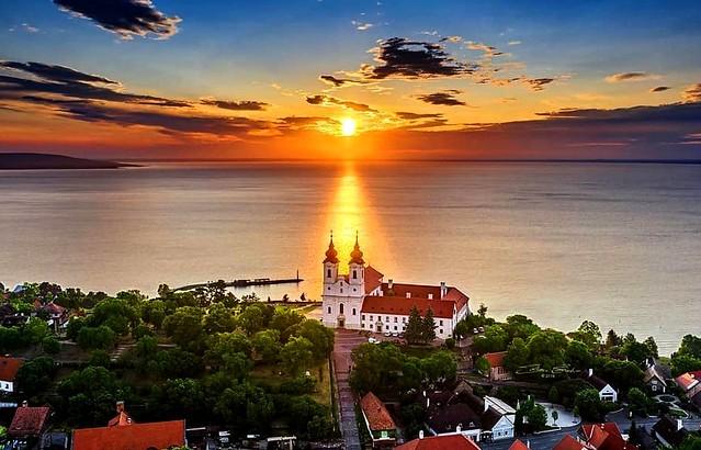 TIHANY  --  BALATON    Lake     HUNGARY