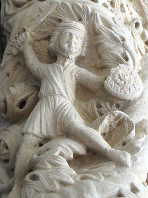 Celui qui se bat, portail occidental, 1240, Maître Radovan, cathédrale St Laurent, place Ivana-Pavla II, Trogir, comitat de Split-Dalmatie, Croatie.
