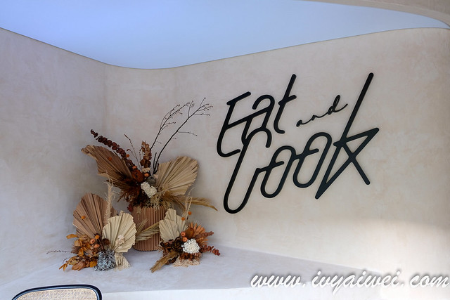 Eat and Cook  (1)