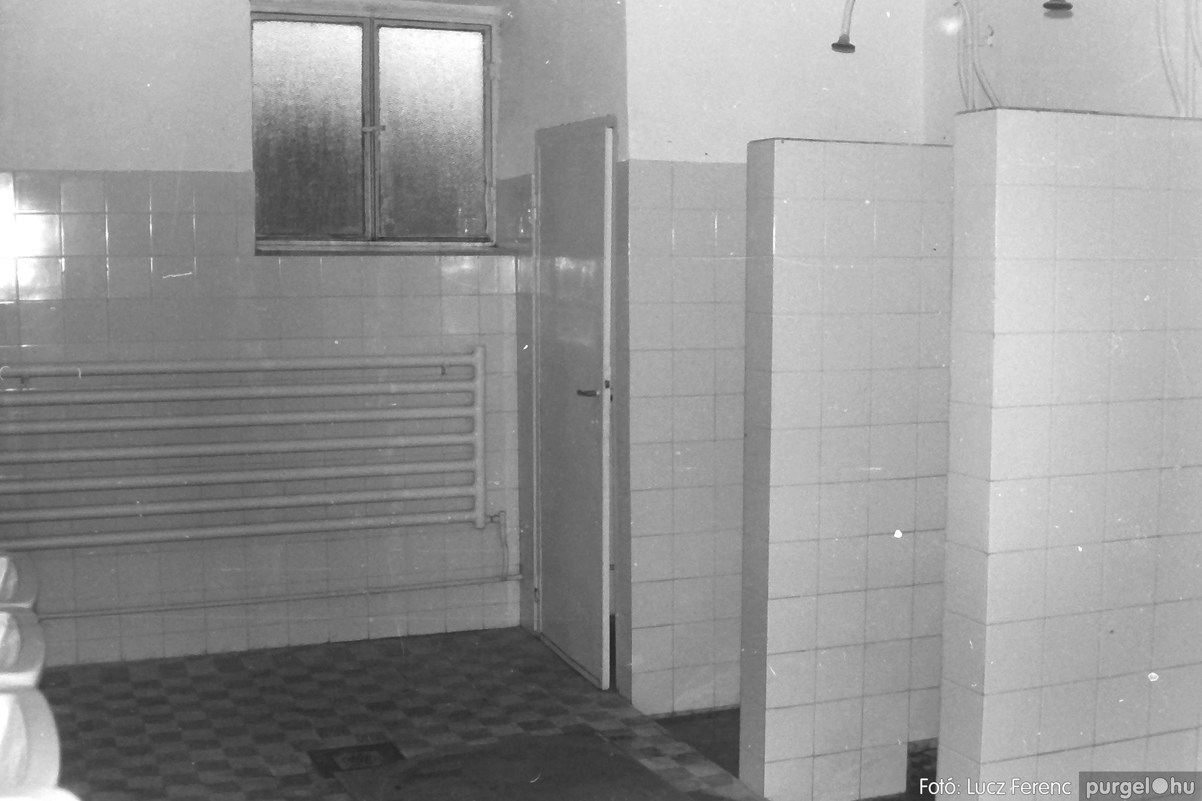 088A. 1977. Nyugdíjas találkozó a Kendergyárban 015. - Fotó: Lucz Ferenc.jpg