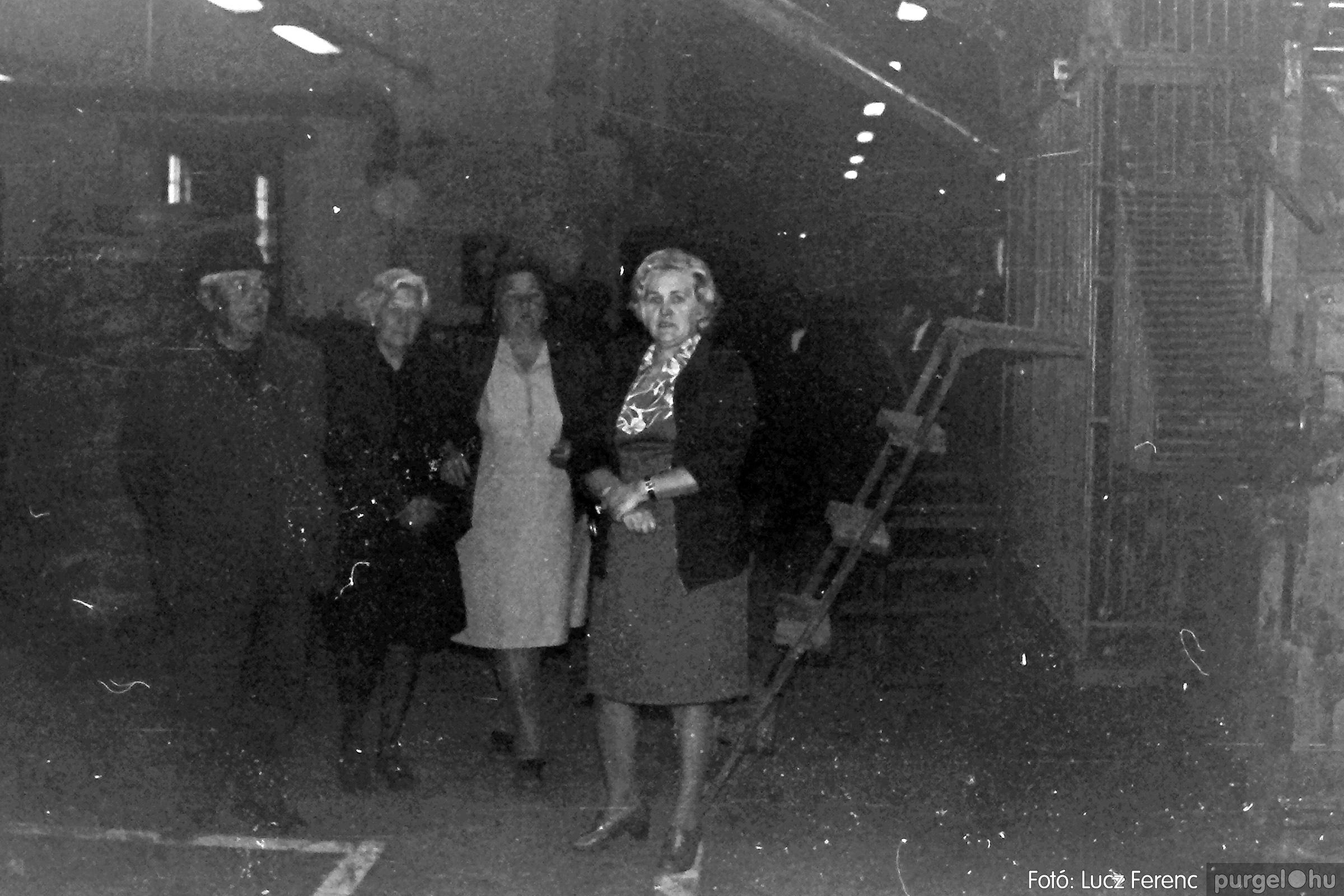 088A. 1977. Nyugdíjas találkozó a Kendergyárban 010. - Fotó: Lucz Ferenc.jpg
