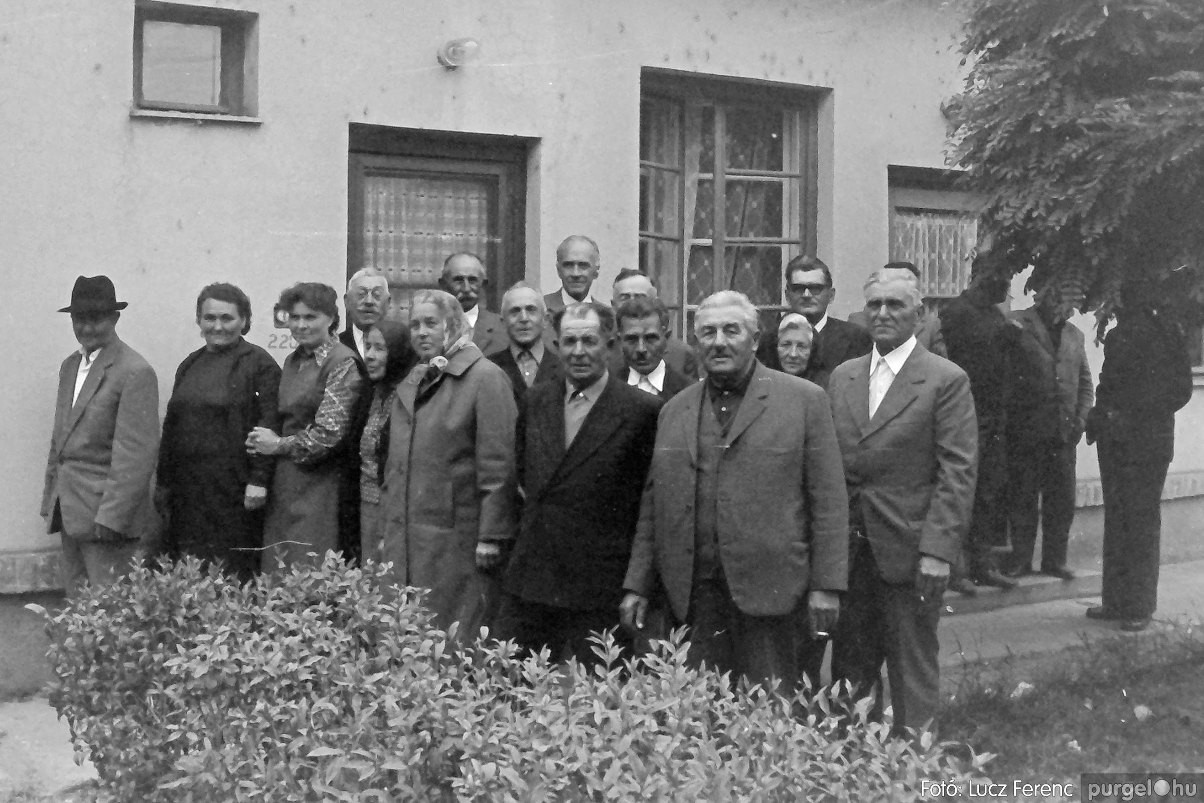 088A. 1977. Nyugdíjas találkozó a Kendergyárban 002. - Fotó: Lucz Ferenc.jpg
