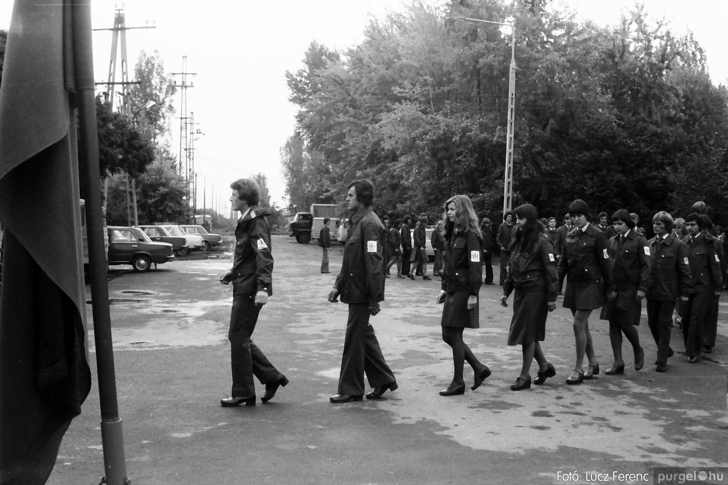 090. 1977. Úttörő gárda - ifjú gárda seregszemle 025. - Fotó: Lucz Ferenc.jpg