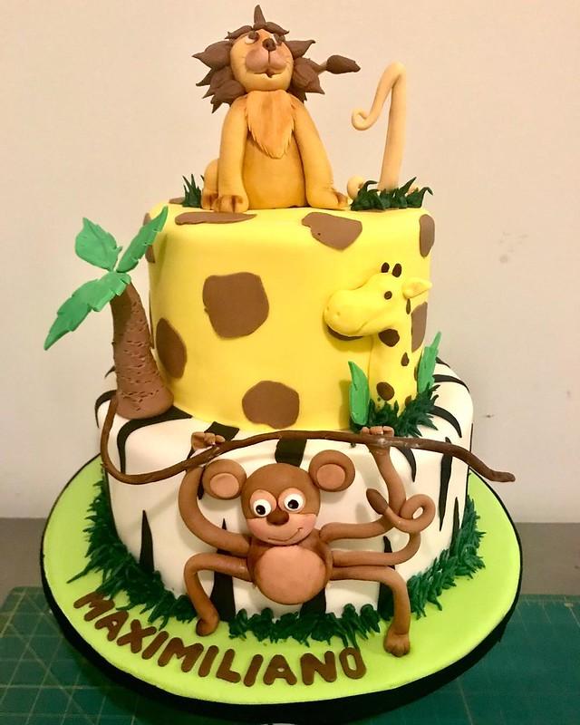 Cake by Tatybakes