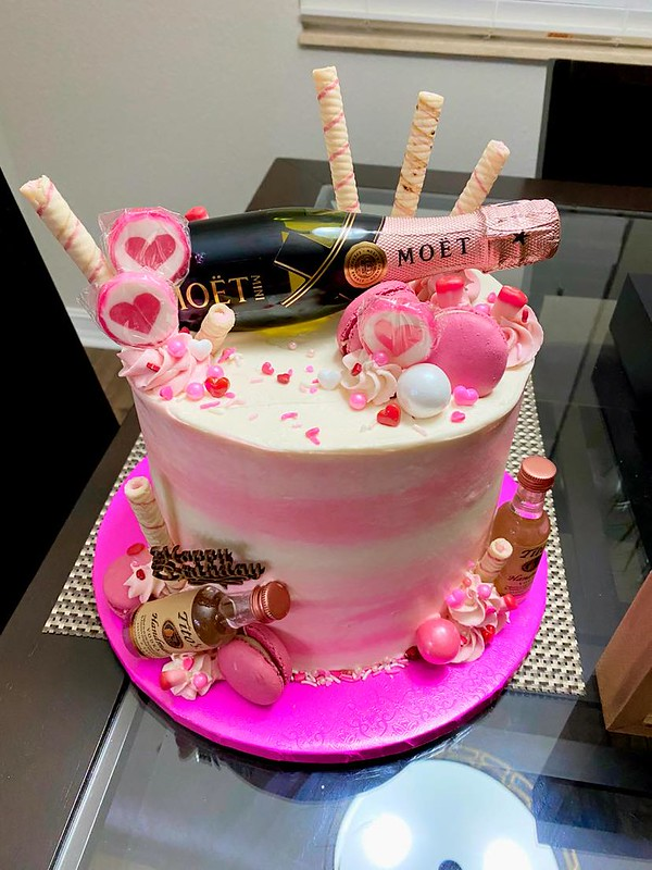 Cake by Bre Bre Sweets