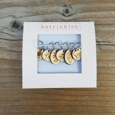 This LYS limited edition set from Katrinkles features yarn and notions stitch markers!