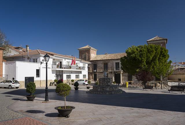 Corpa, ayuntamiento y palacio del marqués de Mondejar.