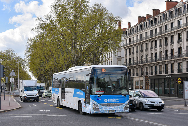 Iveco Bus Crossway - Cars Philibert / Cars Région Auvergne-Rhône-Alpes (car.ain.fr) - 1330 (EH-809-HD)