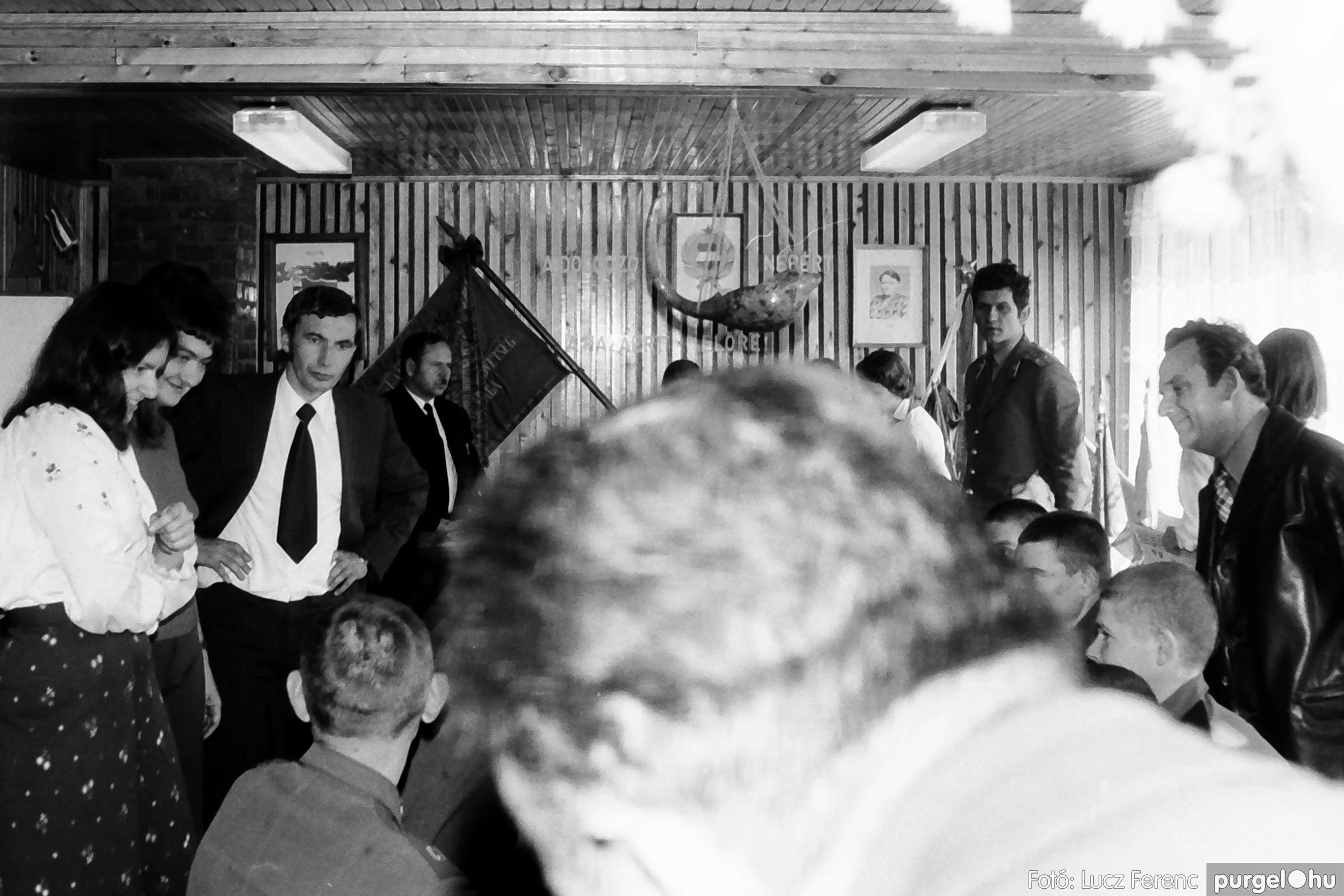 093. 1977. Szovjet katonák látogatása a nagy októberi szocialista forradalom 60. évfordulóján 013. - Fotó: Lucz Ferenc.jpg