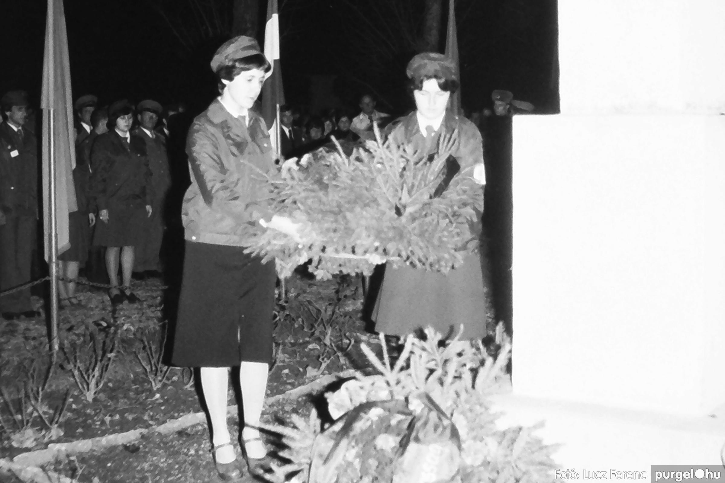 094. 1977.11.07. November 7-i ünnepség 008. - Fotó: Lucz Ferenc.jpg
