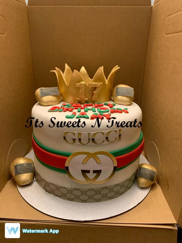 Cake by TT's Sweets N Treats