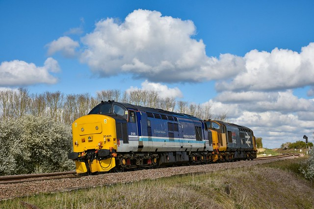37425 + 37402 - Ely West Junction - 11/04/21.