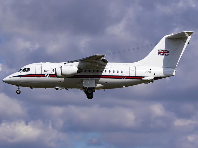 Royal Air Force   British Aerospace BAe-146 CC2   ZE700