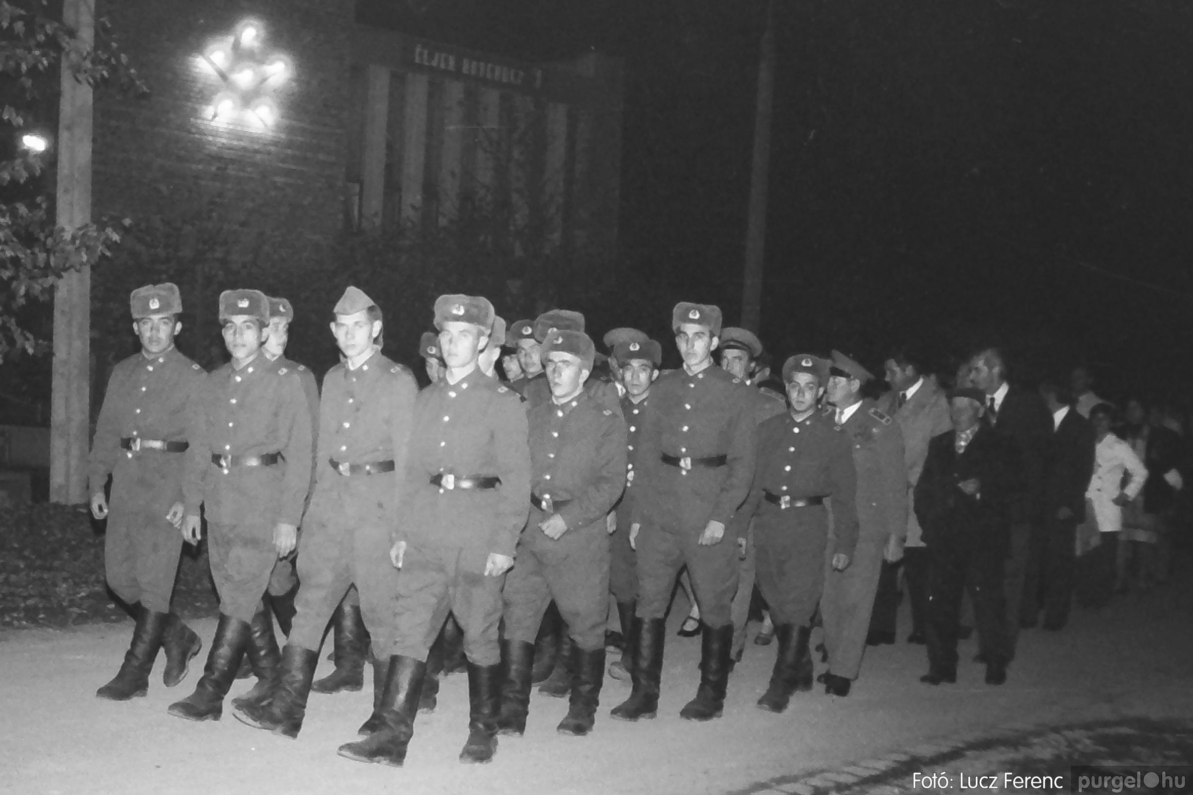 094. 1977.11.07. November 7-i ünnepség 003. - Fotó: Lucz Ferenc.jpg