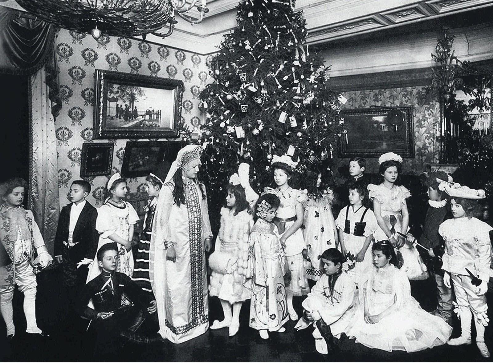 1914. Рождественская ёлка