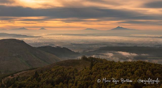 Amaneciendo desde el Mirador de los Volcanes