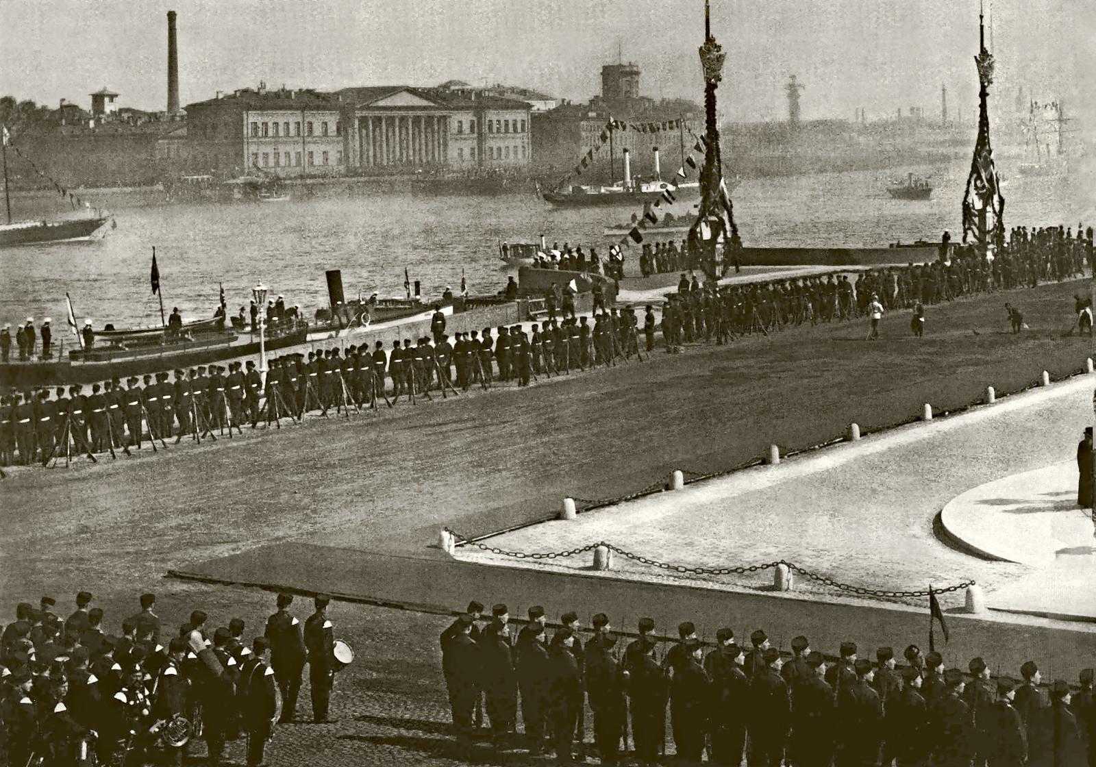 1903. Празднование 200-летия Санкт-Петербурга на Сенатской площади