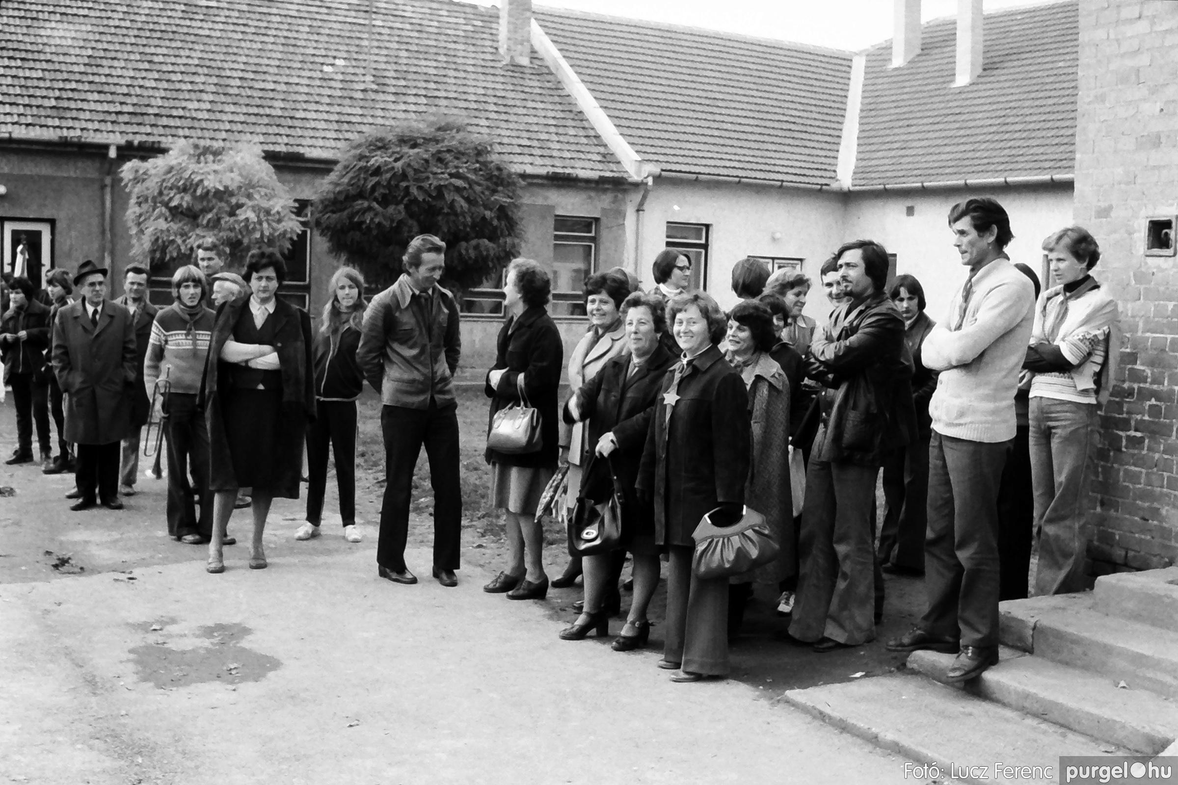 092. 1977. Úttörő rendezvény a Központi Általános Iskolában 012. - Fotó: Lucz Ferenc.jpg