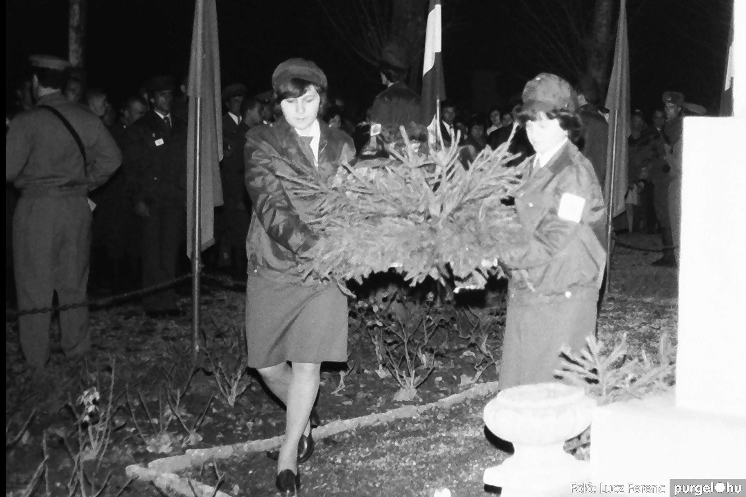 094. 1977.11.07. November 7-i ünnepség 007. - Fotó: Lucz Ferenc.jpg